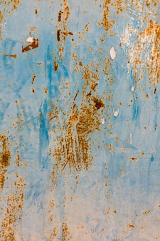 Superfície de metal pintada enferrujada
