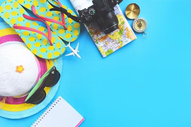 Superfície de viagem planejamento itens essenciais para viagens de férias acessórios de viagem de verão