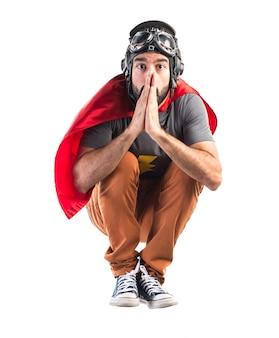 Superhero suplicante