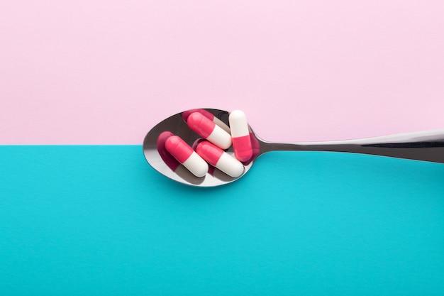 Suplemento dietético, pílulas em colher