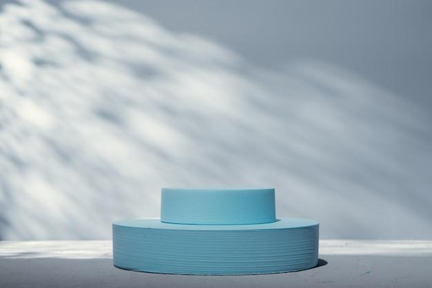 Suporte azul para apresentação do produto