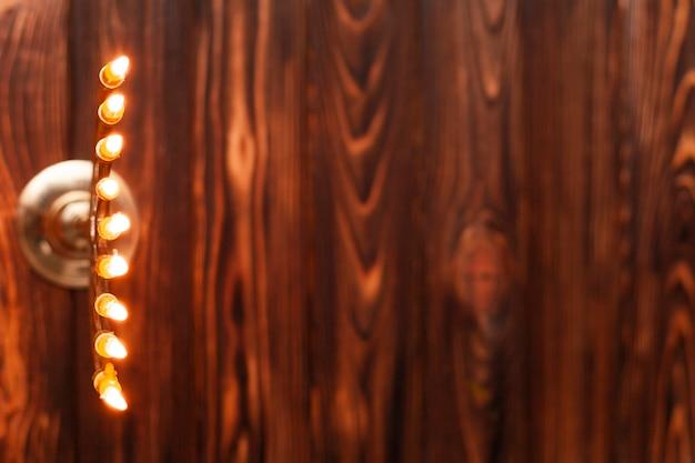 Suporte de velas à vista superior com espaço para texto