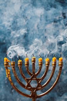 Suporte de velas de hanukkah em close-up