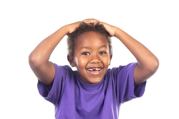 Surpresa criança cobrindo a boca