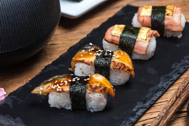 Sushi, comida japonesa.