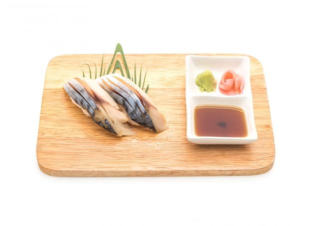 Sushi de nigiri de saba - estilo de comida japonesa