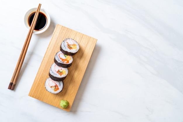 Sushi misto rolo makis