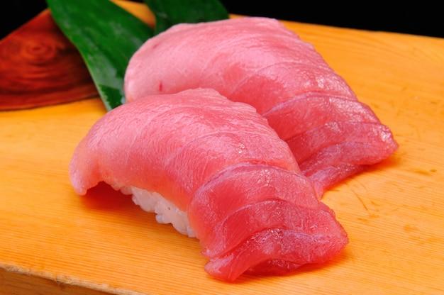 Sushi otoro japonês