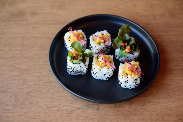 Sushi pronto para a festa, evento, reunião, celebração.