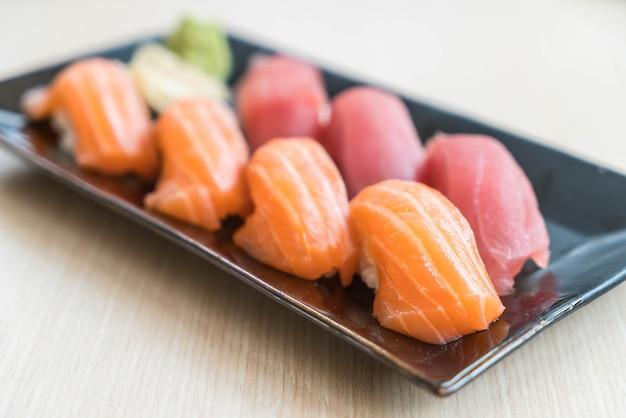 Sushi salmão e atum