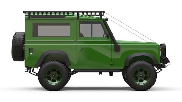 Suv pequeno e verde adaptado para rotas e expedições difíceis
