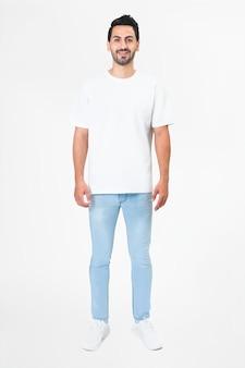 T-shirt branca masculina de corpo inteiro