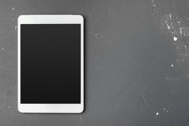 Tablet digital na mesa de escritório