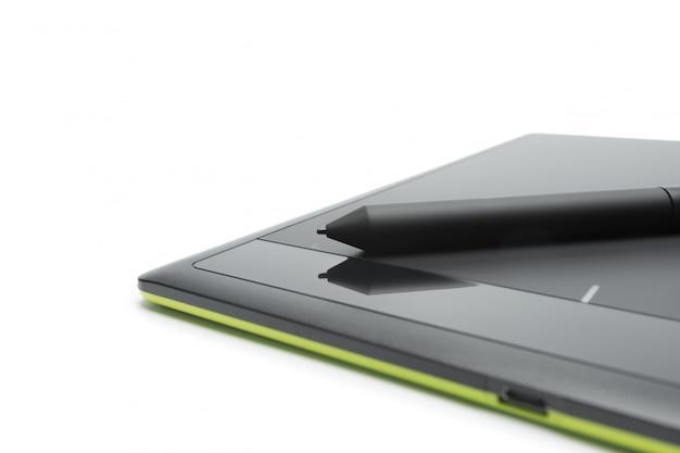 Tablete gráfico com caneta para ilustradores e designersyellow.