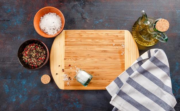 Tábua de cortar na mesa