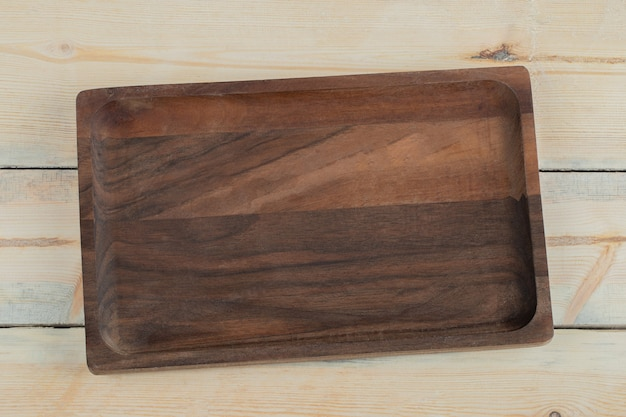 Tábua de corte quadrada feita de carvalho
