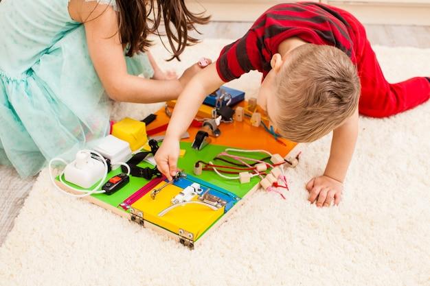 Tábua de fazer faça você mesmo à mão - brinquedo sensorial para crianças