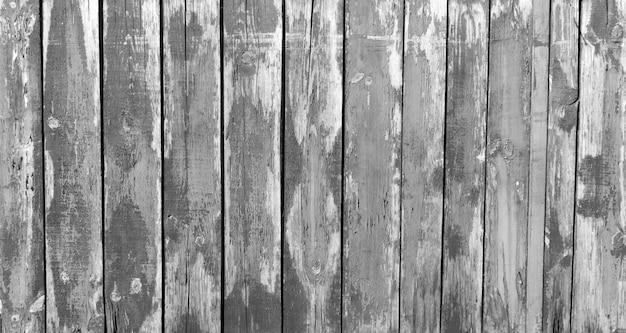 Tábuas de madeira em preto e branco