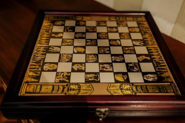 Tabuleiro de xadrez vintage com faraós