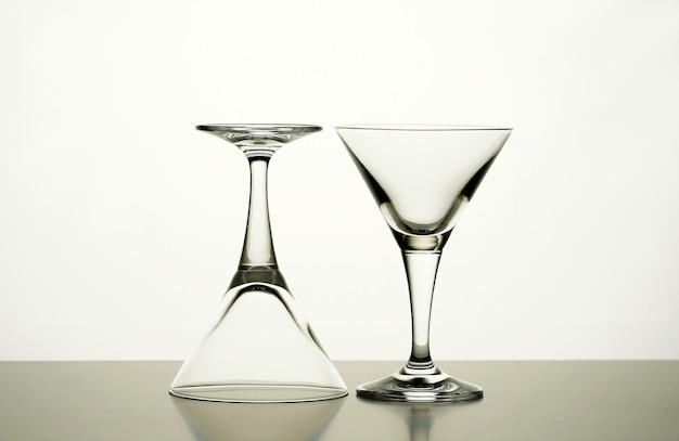 Taças de cocktail vazias