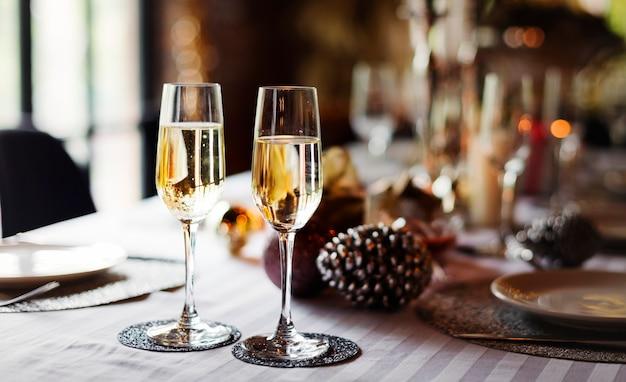 Taças de vinho espumante