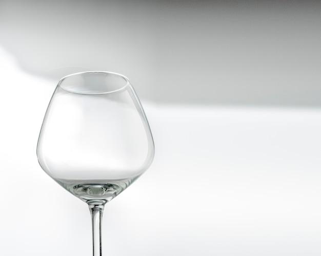 Taças de vinho vazias