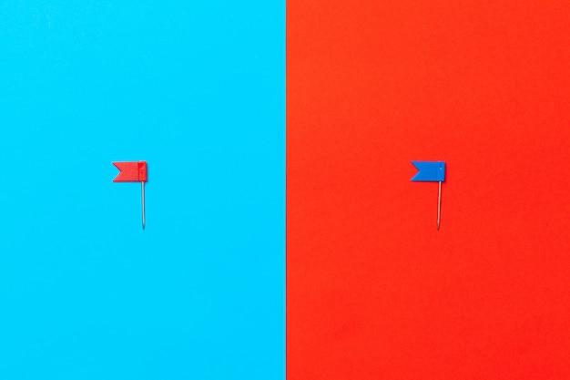 Tachinhas com bandeiras na cor de fundo do bloco