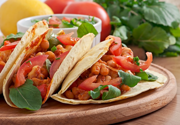 Tacos com frango e pimentão