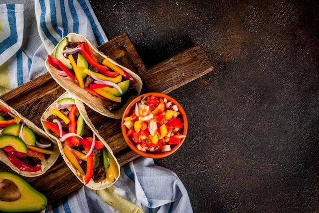 Tacos de porco mexicano