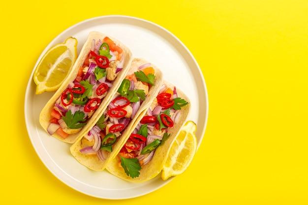 Tacos mexicanos caseiros