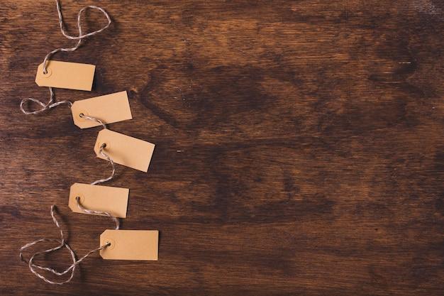 Tags amarradas com espaço de cópia