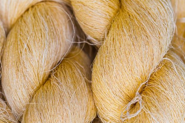 Tailândia faz fio de seda