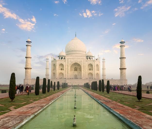 Taj mahal no pôr do sol, agra, índia