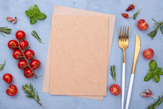 Talheres e ingredientes de cozinha
