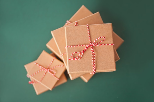 Tamanhos diferentes de caixas de presente de natal