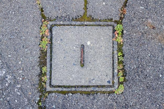 Tampa de bueiro de cimento quadrada
