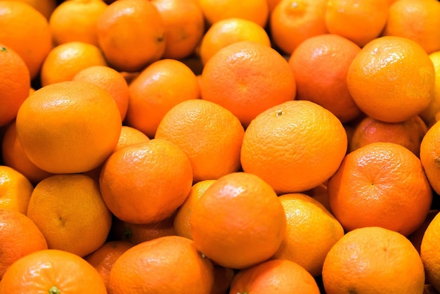 Tangerina fresca à venda no mercado de frutas