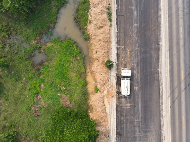Tanque de reabastecimento do caminhão de água
