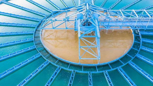 Tanque de sedimentação de clarificador de contato sólido de recirculação de vista aérea