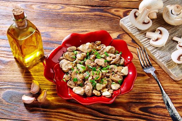 Tapas de champinones de espanha cogumelos de alho