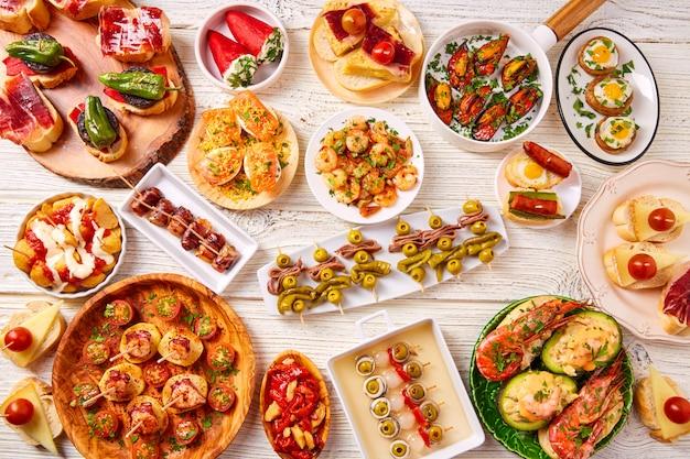 Tapas mix e pinchos comida da espanha