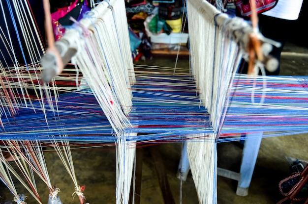 Tapeçaria de tecelagem tradicional com padrão tradicional