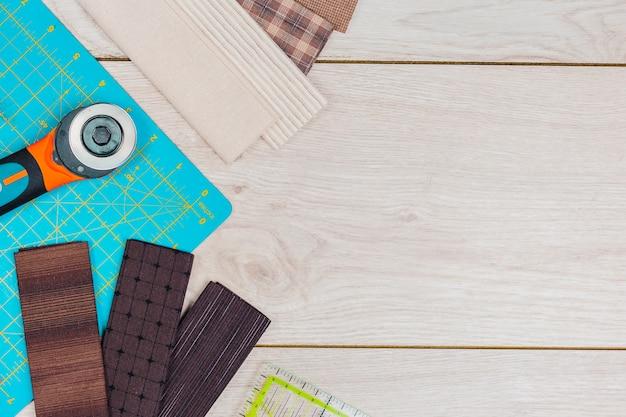 Tapete de corte; régua transparente quadrada com escala milimétrica e cortador giratório para quilting e patchwork