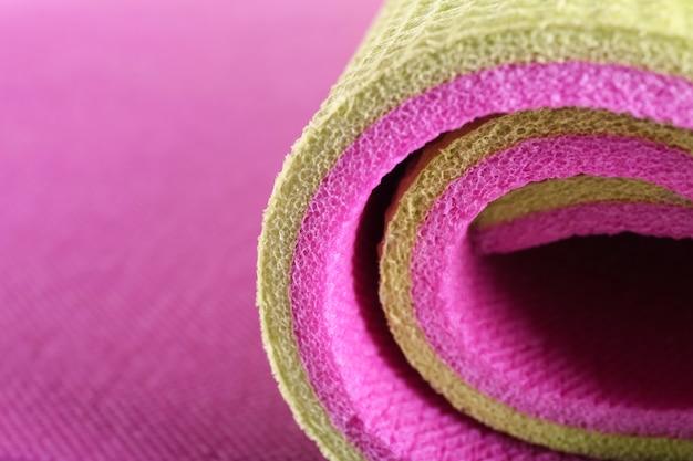 Tapete de ioga colorido, close-up