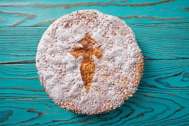 Tarta de santiago com bolo de amêndoa compostela