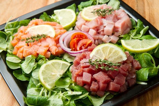 Tártaro de salmão, atum e espadarte