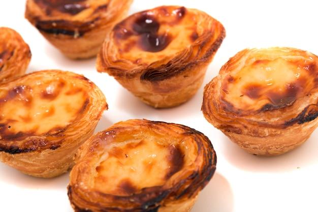 Tarte de pastelaria de ovos portugueses famosos