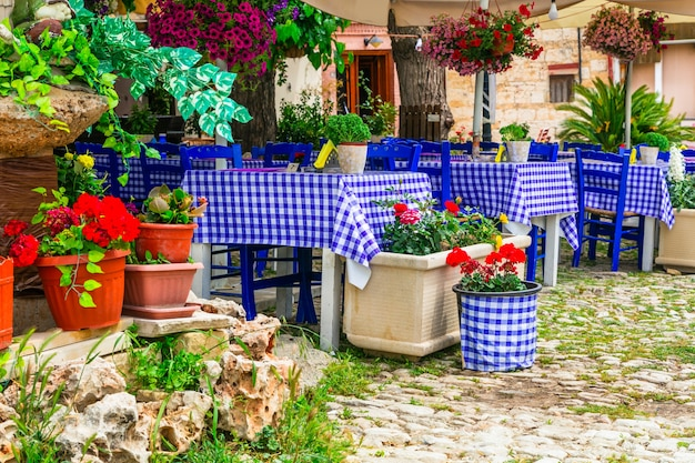 Tavernas gregas tradicionais. ilha de chipre, aldeia omodos