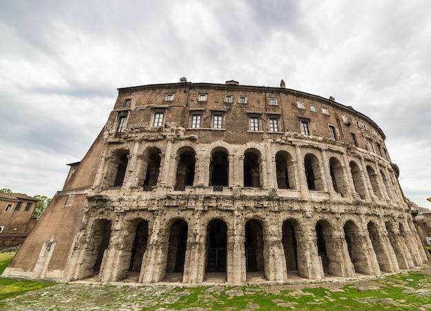 Teatro de marcellus em roma, itália