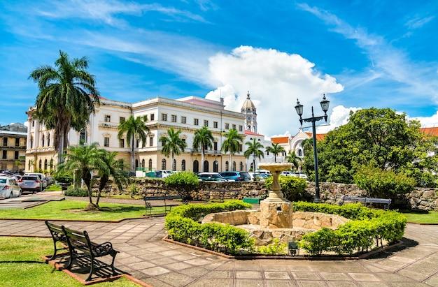 Teatro nacional do panamá em casco antiguo, cidade do panamá